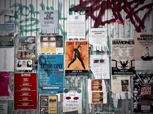 Ulotki i plakaty reklamowe